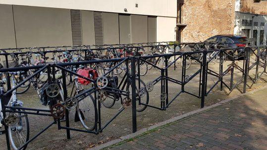 Bewaakte fietsenstalling Deventer Stromarkt - Lamme van Dieseplein